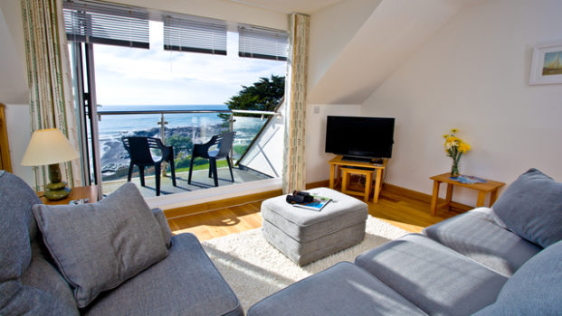Holiday Rental – 22 Mount Brioni, Seaton, Cornwall – Beaches and Sea